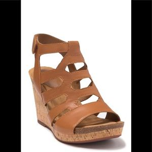 New Sofft Luggage Chamblee Leather Wedge Sandal 10